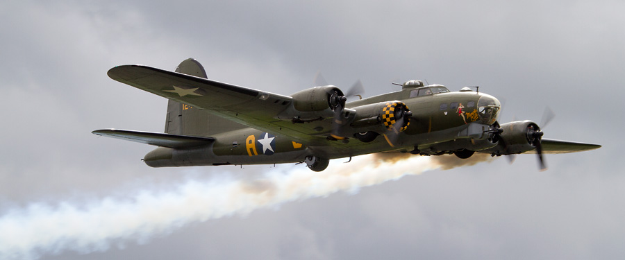 "2015 Flying Display: Boeing B-17G Flying Fortress ""Sally-B"""